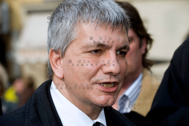 Nicola Vendola, detto Nichi, politico italiano. Presidente nazionale di Sinistra Ecologia Libertà,   presidente della Regione Puglia dall'aprile 2005.