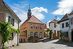 Deutschland, Rheinland-Pfalz, Neustadt an der Weinstrasse: Ortsteil Hambach mit dem Alten Rathaus | Germany, Rhineland-Palatinate, Neustadt an der Weinstrasse: district Hambach with old townhall