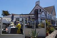 Royaume-Uni, îles Anglo-Normandes, île de Guernesey, Castel: Cobo Bay - Restaurant Pub the Rockmount // United Kingdom, Channel Islands, Guernsey island, Castel: Cobo Bay, Restaurant Pub the Rockmount