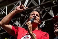 Sao Paulo, 01.05.2019 - ATO PRIMEIRO DE MAIO - Fernando Haddad. As centrais sindicais dos trabalhadores realizaram nesta quarta-feira (1) um ato unificado para celebrar o primeiro de maio, no Vale do Anhangabau, centro de Sao Paulo; alem de protestos contra a reforma da Previdencia, evento contou com diversos shows.  (Foto: Carla Carniel/Código19)
