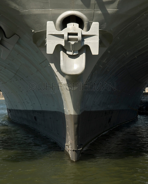AVAILABLE FROM PLAINPICTURE FOR COMMERCIAL AND EDITORIAL LICENSING. Please go to www.plainpicture.com and search for image # p5690166.<br /> <br /> Detail of Bow and Anchor of a Vintage United States Aircraft Carrier, Intrepid Sea, Air and Space Museum, New York City, New York State, USA