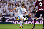 Luka Modric of Real Madrid in action during the La Liga 2017-18 match between Real Madrid and SD Eibar at Estadio Santiago Bernabeu on 22 October 2017 in Madrid, Spain. Photo by Diego Gonzalez / Power Sport Images