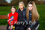 Enjoying the afternoon in the Tralee town park on Thursday, l to r: Jennifer, Sinead and Kaylyn Scannell.