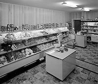 Juni 1964. Kruidenier.