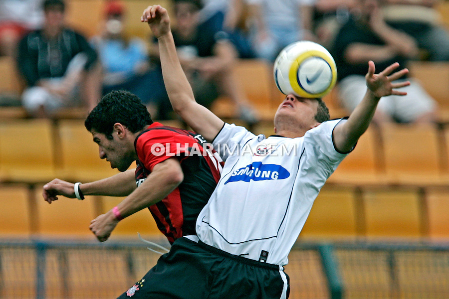 Jogo de futebol entre Atlético Paranaense e Corinthians. SP. 2005. Foto de Daniel Augusto Jr.