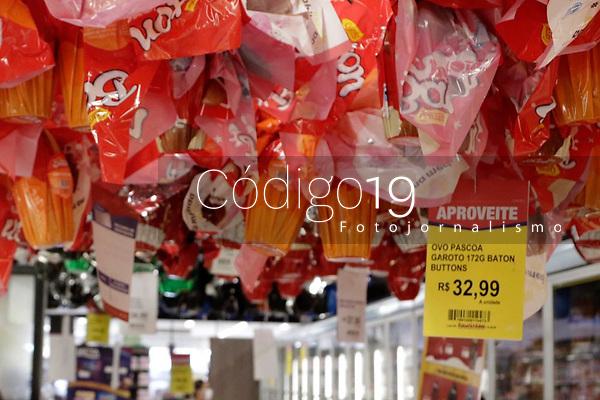 Campinas (SP), 30/03/2021 - Pascoa - Ovos de pascoa expostos em supermercado da cidade de Campinas, interior de São Paulo. Pesquisa feita pelo Procon de Campinas apontou que o preço de um mesmo produto pode chegar a quase 78%. O órgão de defesa do consumidor pesquisou os preços de 146 itens, entre ovos de chocolate, colomba pascal, caixas e barras de chocolates.