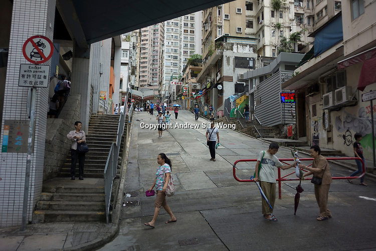 Mid-Levels, Western District, Hong Kong - Daily life, June 2017