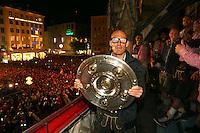 10.05.2014, Marienplatz, Muenchen, GER, 1. FBL, FC Bayern Muenchen Meisterfeier, im Bild Arjen Robben of Bayern Muenchen celebrates winning the German championship title Arjen Robben, // during official Championsparty of Bayern Munich at the Marienplatz in Muenchen, Germany on 2014/05/11. EXPA Pictures © 2014, PhotoCredit: EXPA/ Eibner-Pressefoto/ EIBNER<br /> <br /> *****ATTENTION - OUT of GER***** <br /> Football Calcio 2013/2014<br /> Bundesliga 2013/2014 Bayern Campione Festeggiamenti <br /> Foto Expa / Insidefoto