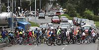 BOGOTA - COLOMBIA, 30-08-2020:Vuelve la Ciclovia.Levantada la cuarentena en la capital. /Quarantine lifted in the capital. Photo: VizzorImage / Felipe Caicedo / Staff
