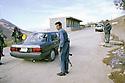 Irak 2000.Le poste frontière de Haj Omran entre l'Iran et l'Irak.Iraq 2000.Haj Omran: Check point near the border
