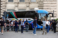 The arriving of the bus during the visit of the Italian National team at Palazzo Chigi, where the athletes met the Italian Premier after winning the UEFA Euro 2020 cup.<br /> Rome (Italy), July 12th 2021<br /> Photo Samantha Zucchi Insidefoto