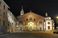 - Milan, basilica of Sant 'Eustorgius<br /> <br /> - Milano, basilica di Sant' Eustorgio