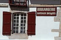 Europe/France/Aquitaine/64/Pyrénées-Atlantiques/Sare: Détail de la façade d'une boulangerie