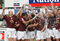 Arsenal vs Leeds United - Womens FA Cup Final at Millwall Football Club - 01/05/06 - Arsenal celebrate victory - (Gavin Ellis 2006)