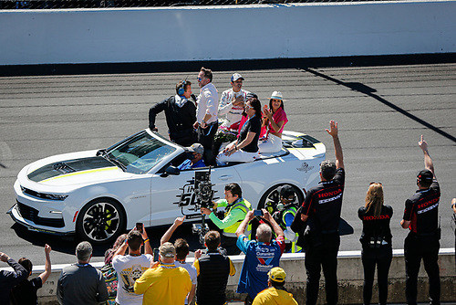 #06: Helio Castroneves, Meyer Shank Racing Honda celebrates winning the Indianapolis 500 for a fourth time, Michael Shank