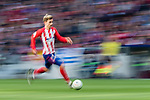 Antoine Griezmann of Atletico de Madrid in action during the La Liga 2017-18 match between Atletico de Madrid and Athletic de Bilbao at Wanda Metropolitano  on February 18 2018 in Madrid, Spain. Photo by Diego Souto / Power Sport Images