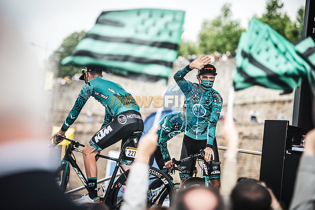 Pierre Rolland (FRA) and B&B Hotels/KTM at sign on before the start of Stage 1 of the 2021 Tour de France, running 197.8km from Brest to Landerneau, France. 26th June 2021.  <br /> Picture: A.S.O./Charly Lopez | Cyclefile<br /> <br /> All photos usage must carry mandatory copyright credit (© Cyclefile | A.S.O./Charly Lopez)