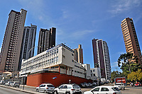Predios de apartamentos e hospital Sao Lucas. Curitiba. Parana. 2013. Alberto Viana.