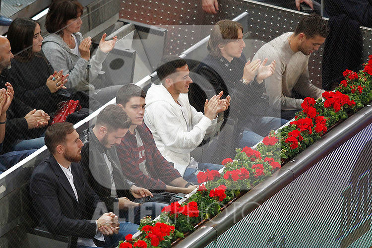 Atletico de Madrid's football players Jan Oblak, Saul Niguez and Real Madrid's players Lucas Vazquez, Luka Modric and Mateo Kovacic during Madrid Open Tennis 2017 match. May 12, 2017.(ALTERPHOTOS/Acero)