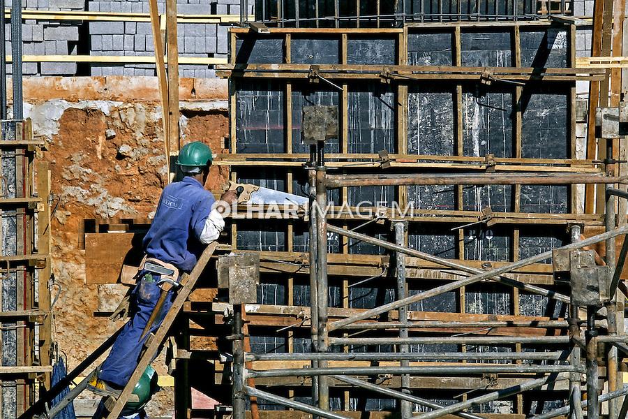 Obra em construçao. Brasilia. Distrito Federal. 2005. Foto de Ubirajara Machado.