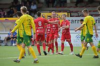 FC GULLEGEM - WITGOOR SPORT DESSEL :<br /> spelers van Gullegem vieren het doelpunt van Thomas Coopman<br /> <br /> Foto VDB / Bart Vandenbroucke