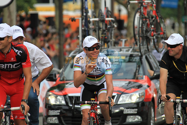 World Champion Cadel Evans (AUS) and BMC Racing Team part of the team parade at the end of the final Stage 20 of the 2010 Tour de France running 102.5km from Longjumeau to Paris Champs-Elysees, France. 25th July 2010.<br /> (Photo by Eoin Clarke/NEWSFILE).<br /> All photos usage must carry mandatory copyright credit (© NEWSFILE | Eoin Clarke)