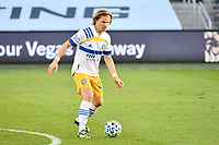 Florian Jungwirth #23 San Jose Earthquakes with the ball.