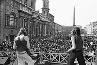- Rome,  rock music concert in Navona square for the liberalization of light drugs (June 1975)....- Roma, concerto di musica rock in piazza Navona per la liberalizzazione delle droghe leggere (giugno 1975)