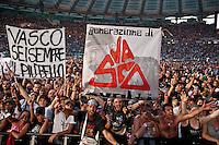 Fans al concerto di Vasco Rossi allo Stadio Olimpico, Roma, 25 giugno 2014.<br /> UPDATE IMAGES PRESS/Barbara Amendola