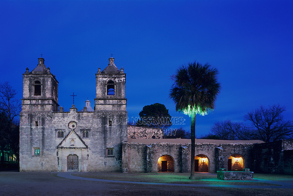 Mission Concepción at dusk, San Antonio Missions National Historic Park, San Antonio,Texas, USA, January 2006
