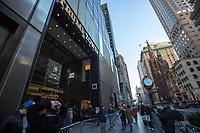 NEW YORK, NY, 19.03.2017 - TRUMP-TOWER - Vista da fachada da Trump Tower  na Quinta Avenida em Manhattan na cidade de New York neste domingo, 19.(Foto: Vanessa Carvalho/Brazil Photo Press)