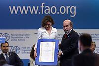 La Regina Letizia di Spagna e Jose' Graziano Da Silva direttore della FAO<br /> Reina consorte de Espana Letizia y  Jose' Graziano Da Silva director General de la FAO<br /> Queen Letizia of Spain and  Jose' Graziano Da Silva General Director of FAO<br /> Roma 12-06-2015. 39° Conferenza della FAO.<br /> 39th Conference of FAO.<br /> Photo Samantha Zucchi Insidefoto