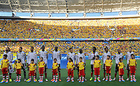 FORTALEZA - BRASIL -04-07-2014. Jugadores de Colombia (COL) durante los actos protocolarios previo al partido de los cuartos de final con Brasil (BRA) por la Copa Mundial de la FIFA Brasil 2014 jugado en el estadio Castelao de Fortaleza./ Players of Colombia (COL) during the formal events prior the match of the Quarter Finals with Brazil (BRA) for the 2014 FIFA World Cup Brazil played at Castelao stadium in Fortaleza. Photo: VizzorImage / Alfredo Gutiérrez / Contribuidor