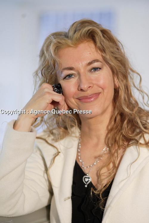 Montreal (QC) CANADA, April 3 , 2007<br />  Joe Bocan au<br /> lancement du premier projet de sensibilisation d'envergure provinciale<br />     la Marche de la mÈmoire RONA organisÈe par la FÈdÈration quÈbÈcoise des<br />                              sociÈtÈs Alzheimer. en prÈsence de<br />     l'auteure-compositeur-interprZte, comÈdienne et porte-parole provinciale<br />                             Madame Viviane Audet,<br />     Monsieur Bruno Labrie (ex-acadÈmicien, auteur-compositeur-interprZte),<br />                  Madame Joe Bocan (chanteuse et comÈdienne),<br />                      Monsieur Emmanuel Auger (comÈdien),<br />     Monsieur Michel Dumont, directeur artistique de la Compagnie Jean Duceppe<br />                depuis 1991, figure de proue du milieu culturel<br />       ainsi que de nombreuses personnalitÈs du milieu artistique et des<br />                                   affaires.