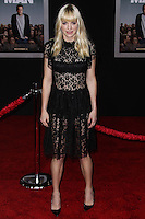 """HOLLYWOOD, CA - NOVEMBER 03: Actress Anna Faris arrives at the Los Angeles Premiere Of DreamWorks Pictures' """"Delivery Man"""" held at the El Capitan Theatre on November 3, 2013 in Hollywood, California. (Photo by Xavier Collin/Celebrity Monitor)"""