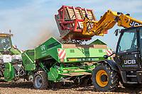 Loading potato planter - Lincolnshre, March