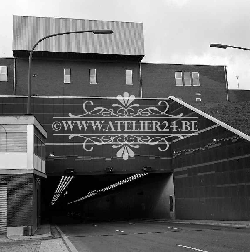 Februari 1970. Ingang van de Kennedytunnel op rechteroever in Antwerpen.