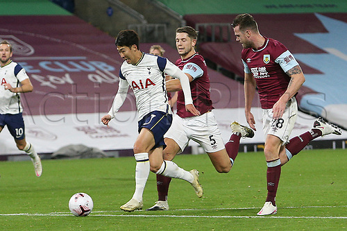 26th October 2020, Turf Moor, Burnley UK; EPL Premier League football, Burnley v Tottenham Hotspur;  Tottenham Hotspur forward Son Heung-Min (7) through on goal to score as he is chased down by Burnley defender James Tarkowski (5) and Burnley defender Kevin Long (28)