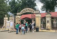 Eingang zum Tier- und Freizeitpark Jaderpark - Jaderberg 21.07.2020: Tier- und Freizeitpark Jaderpark