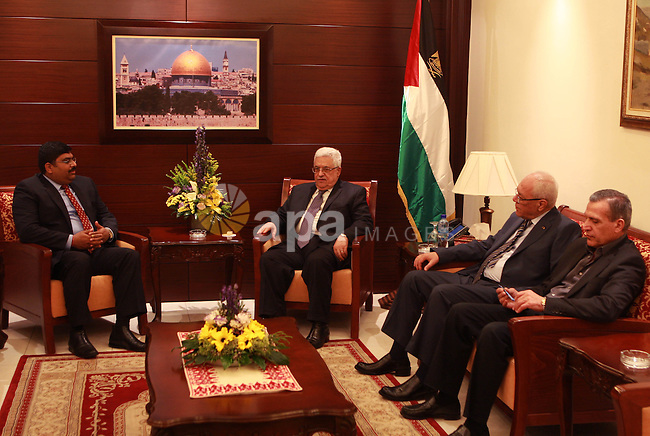 Palestinian President, Mahmoud Abbas (Abu Mazen), meets with Indian Ambassador, in the West Bank City of Ramallah on April 24, 2012. Photo by Thaer Ganaim