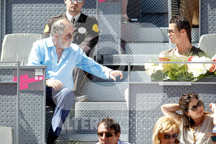 Real Madrid's Cristiano Ronaldo (r) with the tennis leyend Ion Tiriac during Madrid Open Tennis 2015 match.May, 7, 2015.(ALTERPHOTOS/Acero)