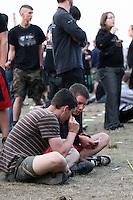 18. With Full Force .Das With Full Force (kurz WFF) ist ein Musikfestival für Metal, Hardcore und Punk. Jährlich findet es am ersten Juliwochenende auf dem Segelflugplatz Roitzschjora bei Löbnitz statt. 2010 waren es  um die  30.000 Besucher. Impressionen des ersten Festivaltags mit zum Beispiel Bring Me The Horizon, Agnostic Front, Bullet for My Valentine und Millencolin. .Im Bild: Festivalimpressionen. .Foto: Karoline Maria Keybe