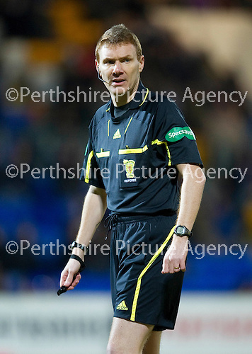 St Johnstone v Motherwell....26.01.11  .Ref Calum Murray.Picture by Graeme Hart..Copyright Perthshire Picture Agency.Tel: 01738 623350  Mobile: 07990 594431