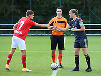 Standard's captain Maurane Marinucci (7) gives a fist bump to OHL's captain Lenie Onzia (18) after the coin toss before  a female soccer game between Standard Femina de Liege and Oud Heverlee Leuven on the second matchday of the 2020 - 2021 season of Belgian Scooore Women s SuperLeague , saturday 5 th of September 2020  in Angleur , Belgium . PHOTO SPORTPIX.BE | SPP | SEVIL OKTEM