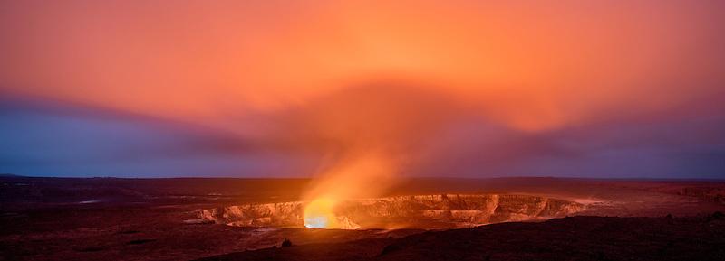 Halema'uma'u crater on Kīlauea volcano glows at eveening. Hawaii Island.