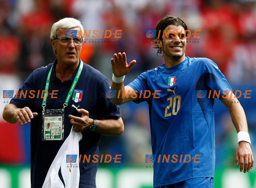 HAmburg 22/6/2006 World Cup 2006.Repubblica Ceca Italia 0-2.Photo Andrea Staccioli Insidefoto.perrotta e lippi festeggiano a fine partita
