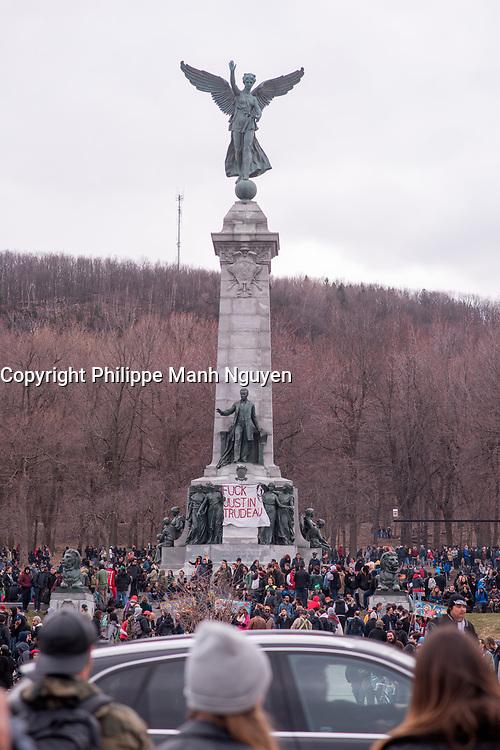 Pot smokers celebrating 4-20, April 29, 1997<br /> <br />  PHOTO  :   Agence Quebec Presse