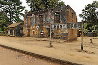 SIERRA LEONE , abandoned railway station Hastings without track /<br /> SIERRA LEONE, verlassene Bahnstation Hastings ohne Schiene