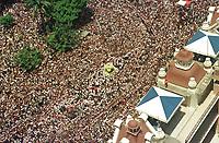 Milhares de Romeiros acompanham a maior procissão religiosa do planeta o Círio de Nazaré em belém Pará Brasil.<br />08/10/2000<br />Foto Marcos Santos/Interfoto