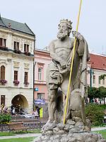 Neptun-Brunnen am Hauptplatz Hlavna nam., Presov, Presovsky kraj, Slowakei, Europa<br /> Neptun fountain at main square Hlavna nam. in Presov, Presovsky kraj, Slovakia, Europe